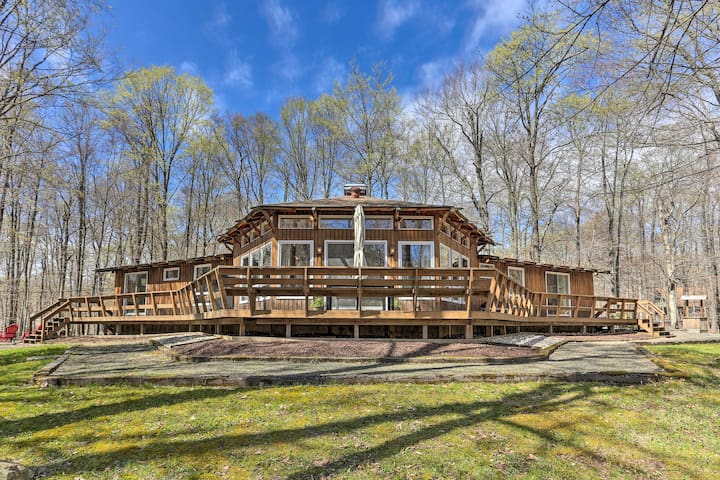 Family Home w/ Deck, Walk to Big Bass Lake!