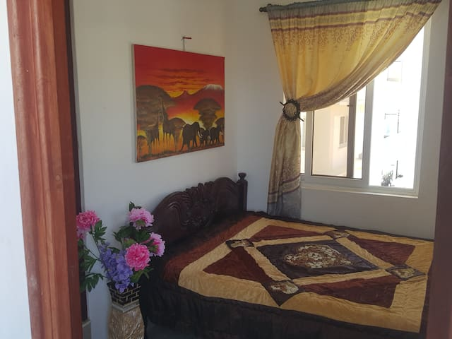 nice small room in Seaview apartments for low cost