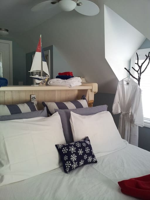 Lakeview room in winter with an adjustable bed and central heating.
