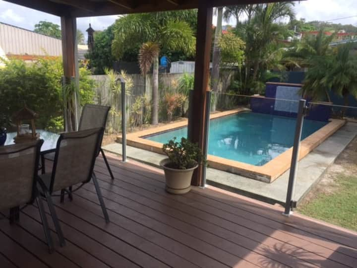 Tugun Airport-Side, Family Beach Home with Pool
