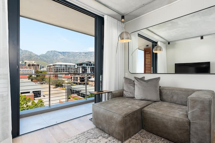 De Waterkant Apartment with Stunning Views