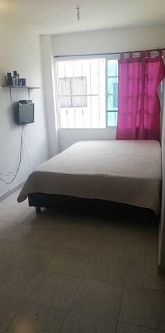 Habitación casa Compartida para 3 personas No A/A