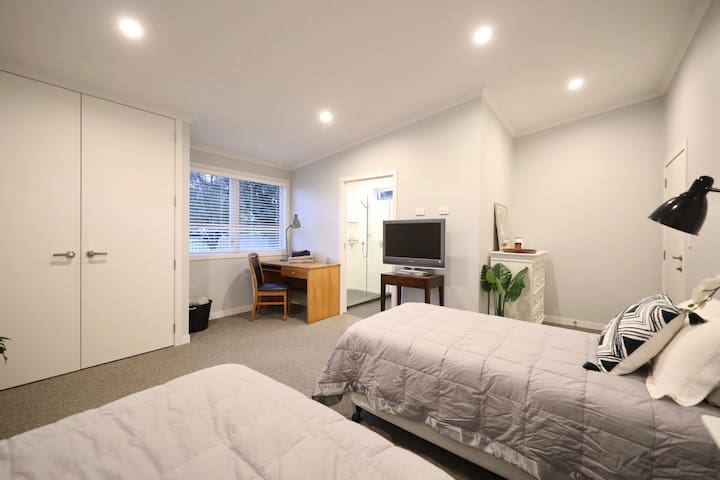 Light, Modern and Peaceful Space in Great Location