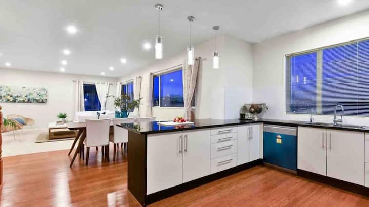 Location~Beautiful  Family Home in Albany