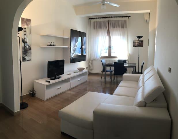 "Casa  ""Arconti"" - Reggio Calabria - Apartament"