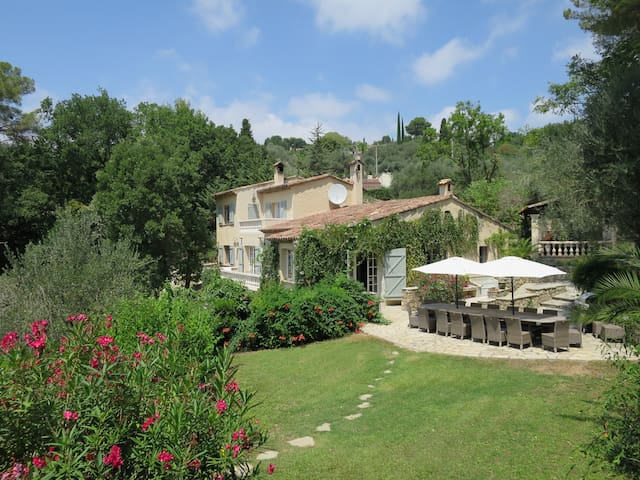 Gorgeous private country villa on the Cote d'Azur - Opio - วิลล่า