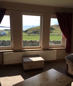 Ensuite B&B rooms, sea views