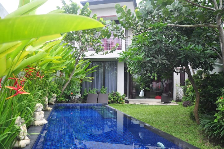 Private Home with Private POOL for 8 -10 - Kabupaten Sleman - Casa de huéspedes