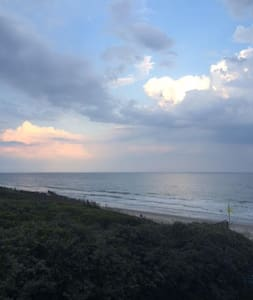 Oceanfront Townhome w/ Pool - New Kitchen 2015 - Pine Knoll Shores