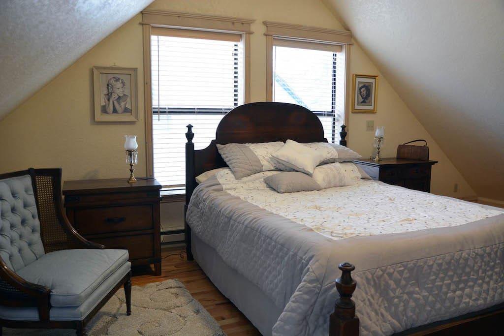 Loft Sleeping Area Queen Bed.