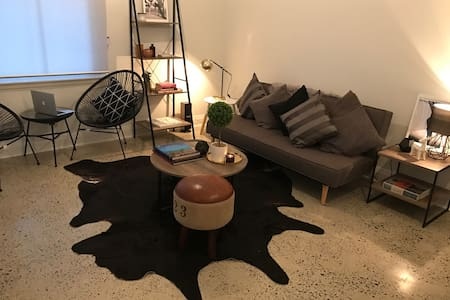 Sleek City Apartment, Historical Sydney - Millers Point - Apartmen
