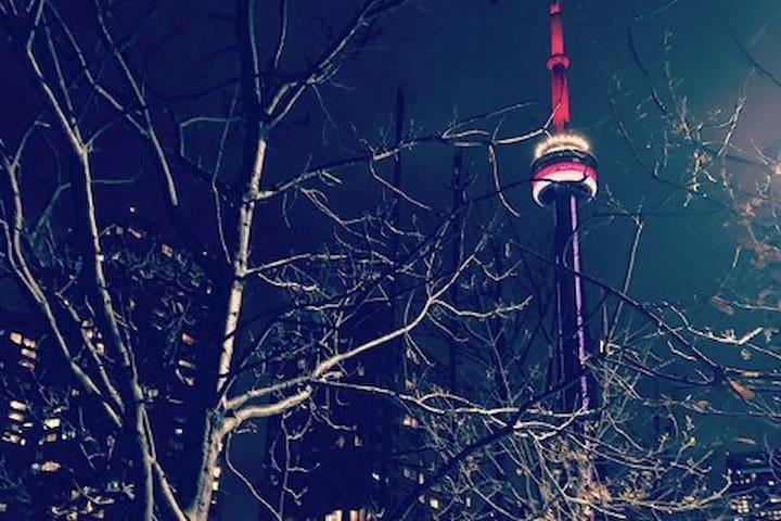 Amazing Location, Beautiful Room Downtown Toronto
