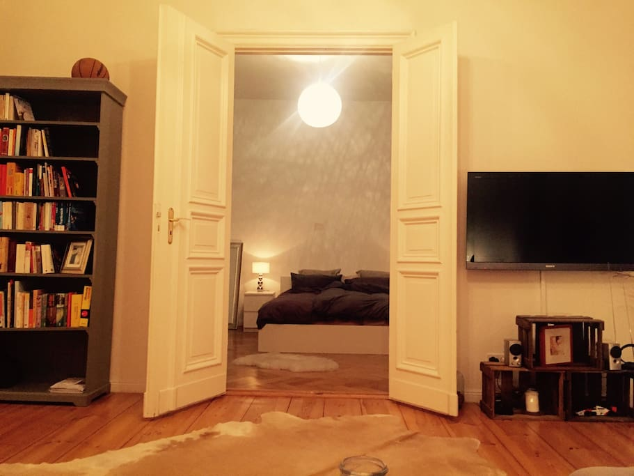 Living room -view to the bedroom