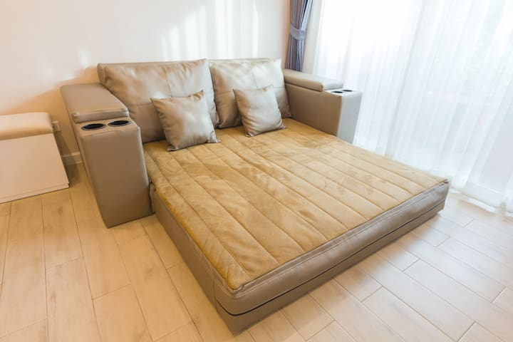 Sofa bed for 2 person (5 feet)