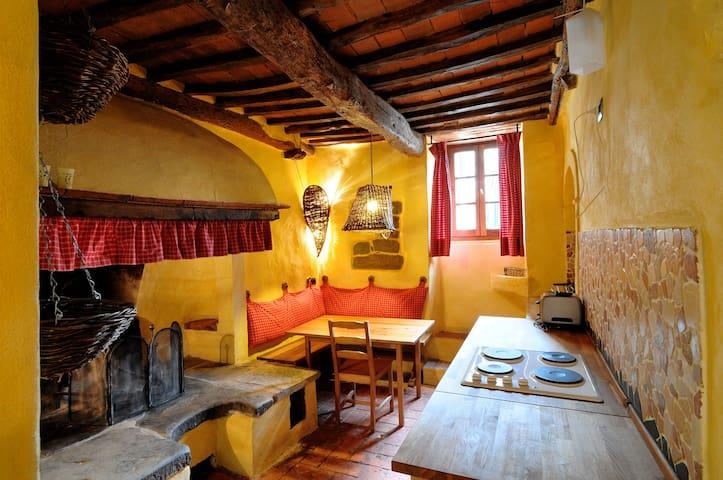 Appartamento in borgo medioevale - Sinalunga - Byt