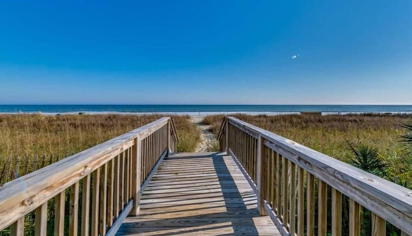 Beautiful view - Oceanfront condo