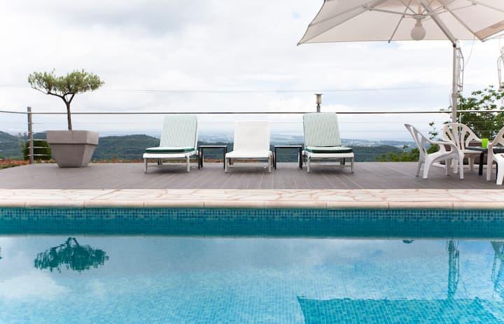 Taglio-Isolaccio, room in villa with pool