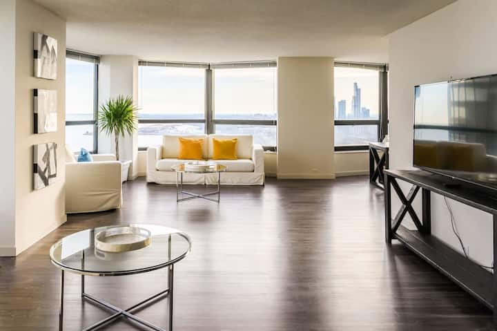 3B/2.5BA Skyline Glass Penthouse   Breathtaking Views, Indoor Pool, & Gym by ENVITAE   PAID IN/OUT PARKING IN BLDG