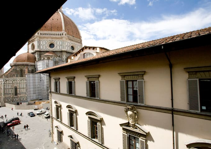 Nice apartment facing Florence Cathedral's Dome - Florença - Apartamento