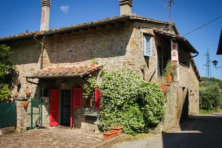 House in ancient village in Chianti - Greve in Chianti