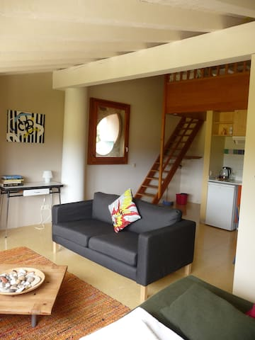 apartment with countryside views - Maià de Montcal - Pis
