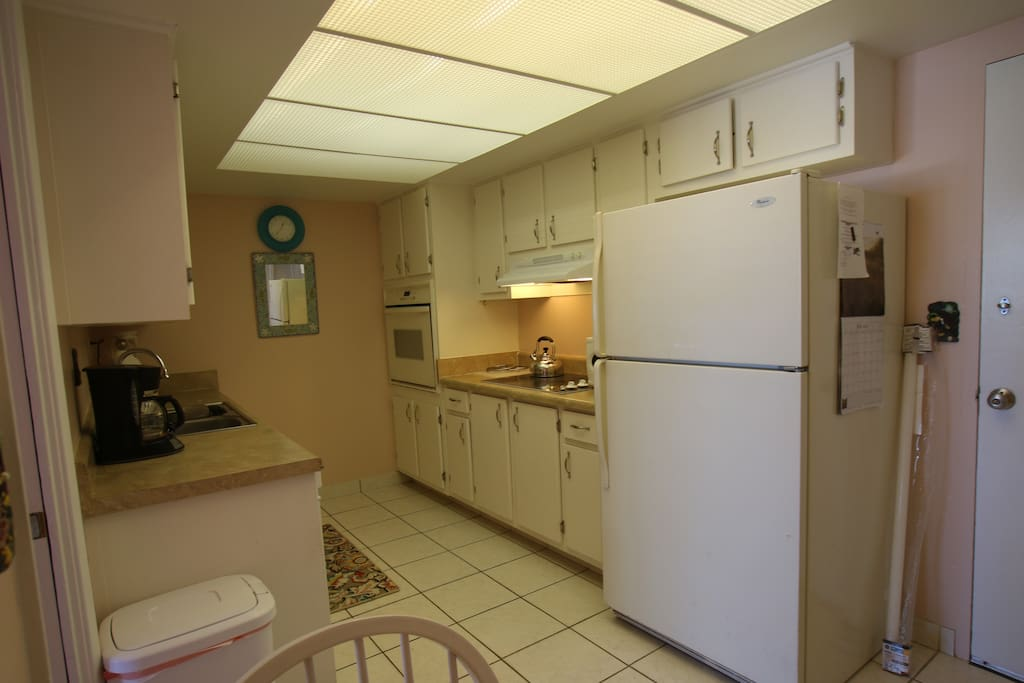 Fully equipped kitchen with all appliances and utensils