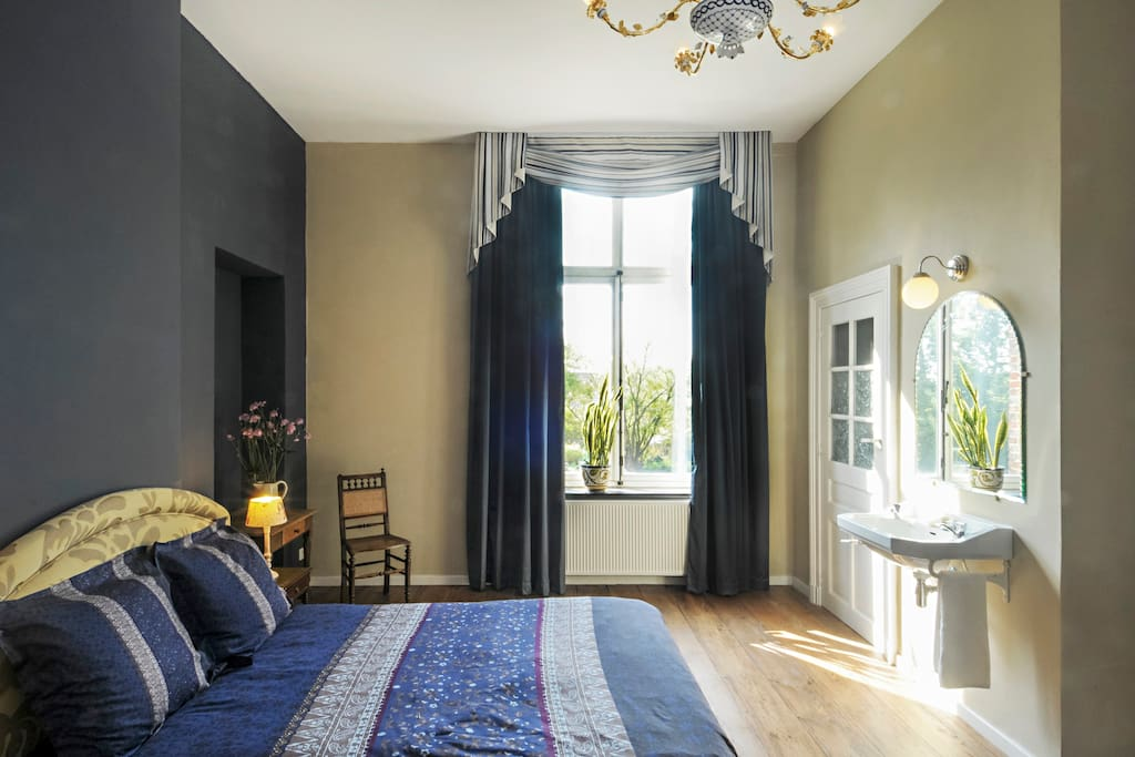 Charming room in ancient monastery 2 chambres d 39 h tes for Chambre hote wallonie