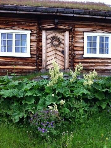 Unikt hyttetun ved Hardangervidda