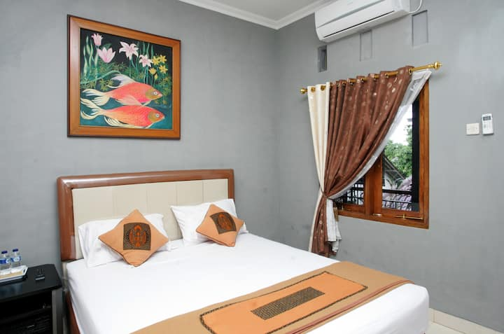 Room with tropical Garden View