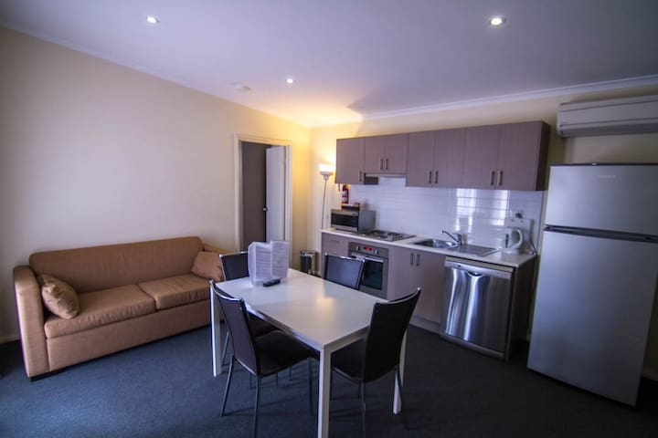 Modern 2 Bedroom Apartment - Kalgoorlie - Apartemen