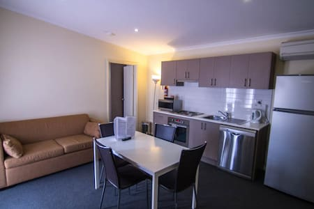 Modern 2 Bedroom Apartment - Kalgoorlie