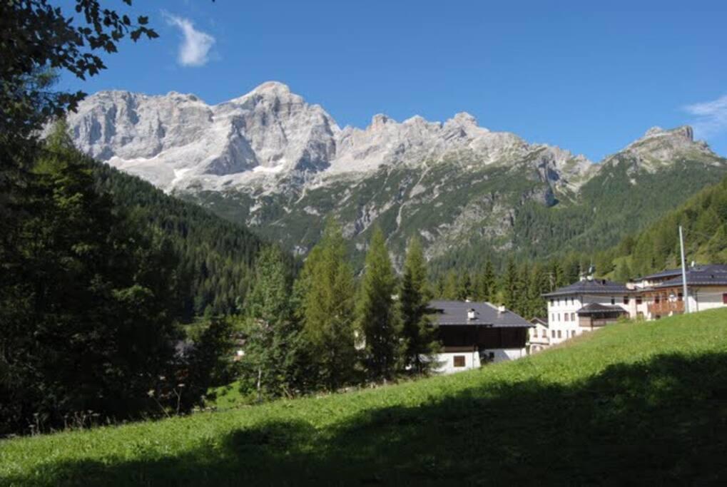 La casa verso il monte Civetta