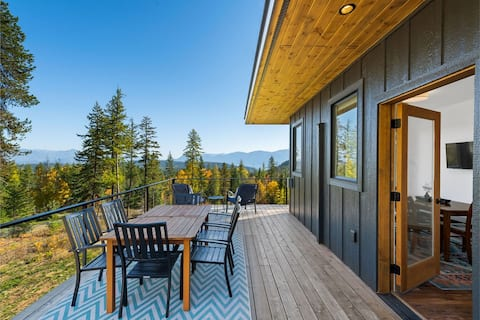 Mountain Retreat w/ Views of Lake Pend Oreille