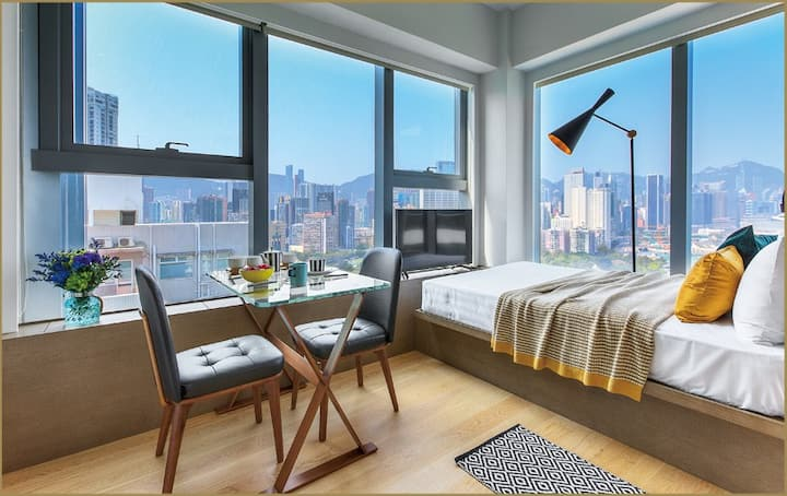 MAGNIFICENT VICTORIA HARBOUR VIEWS, STUDIO IN CWB