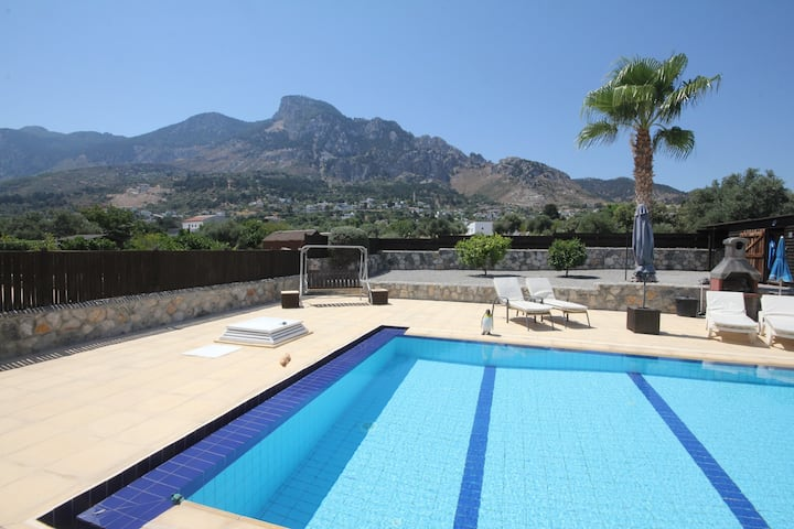 Paradise Villa Stunning Mountain Views