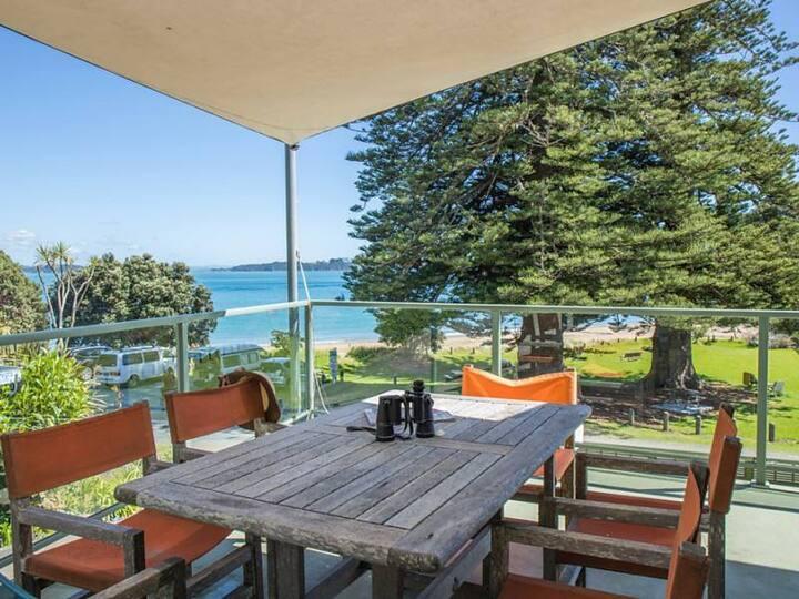 3 1/2 Bedroom Beach House directly on the beach