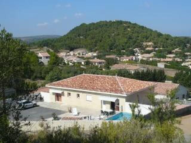 villa avec piscine - Roquefort-des-Corbières - Villa