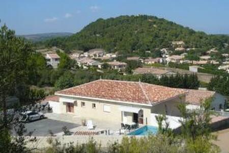 villa avec piscine - Roquefort-des-Corbières