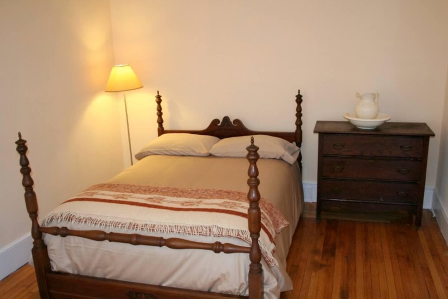 The cozy bedroom.