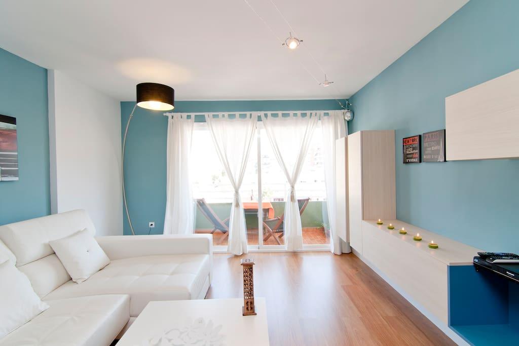 Spacious Italian a design living room