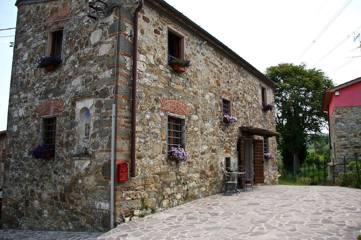 Beautiful Country House in Toscana - Buriano - Bed & Breakfast
