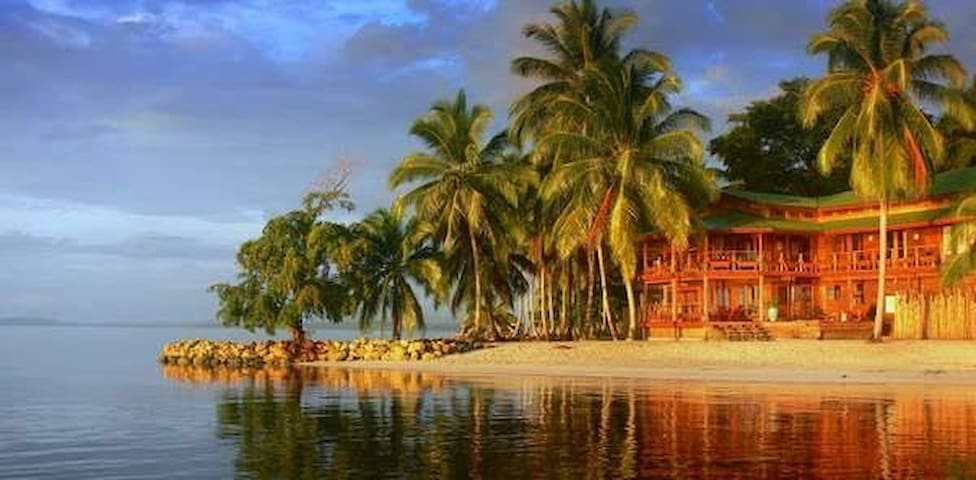 Vista Azul Lodge, Beachfront with Views - Bocas del Toro - Hus