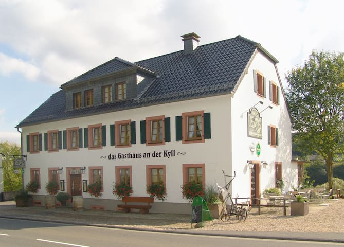 Doppelzimmer Kronenburg