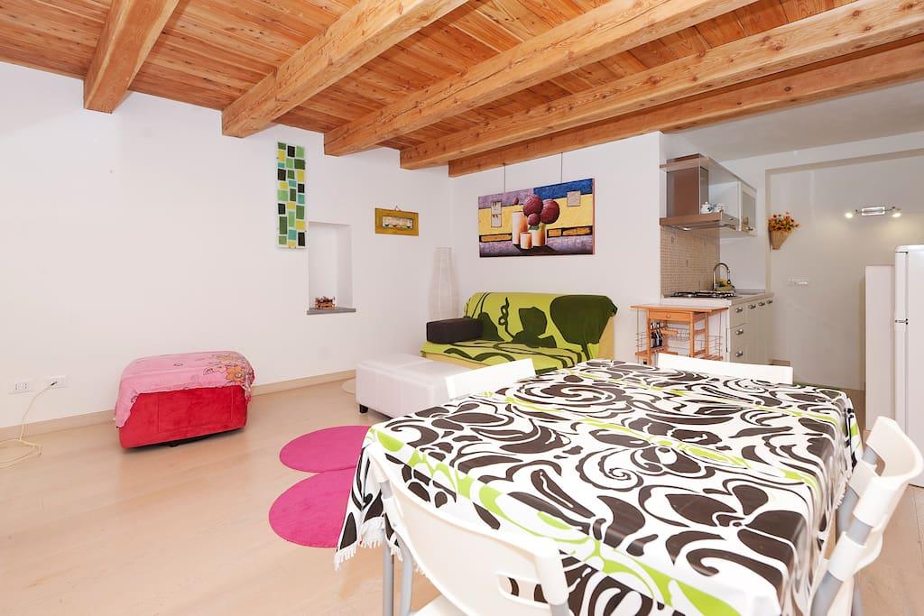 Soggiorno e cucina- Living Room and Kitchen