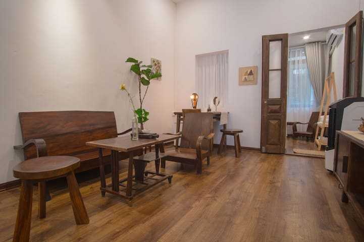 L' aise Homestay Old Quarter 1min to Street Train