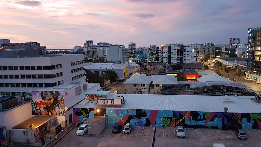 Darwin CBD Studio. Fully Equipped. WiFi & Netflix.