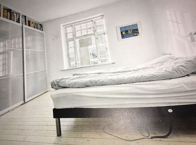Spacious and beautiful room in center of Hillerød