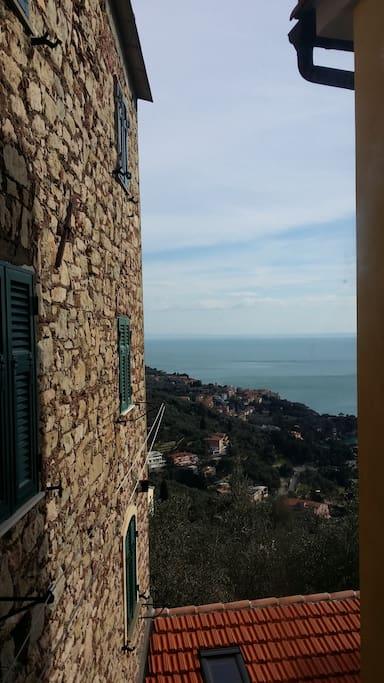 vista dalla camera  su Tellaro e Baia di Fiascherino.