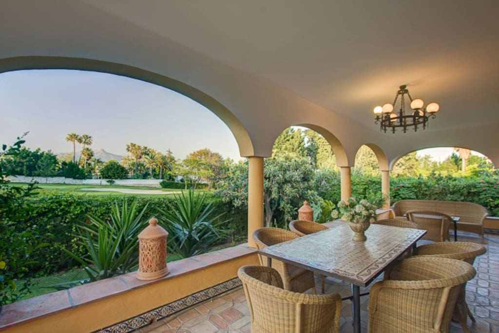 TERRACE AREA WITH VIEWS TO THE GOLF FAIRWAY