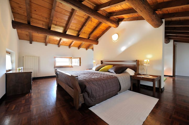 "An ""organic relax at our farm - Lazise - Bed & Breakfast"